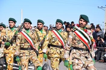 گزارش تصویری از رژه روز ارتش در مرند