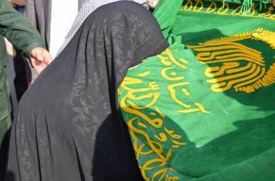 خادمین حامل پرچم رضوی در مرند + تصاویر