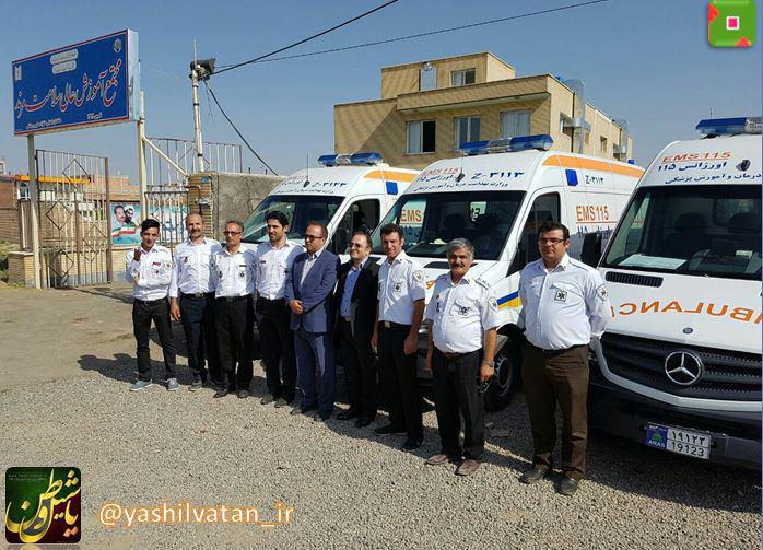تحویل پنج دستگاه آمبولانس به اورژانس ۱۱۵ مرند
