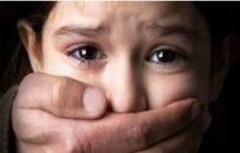 کودک آزاری در مرند!/ پدر کودک آزار متواری است.